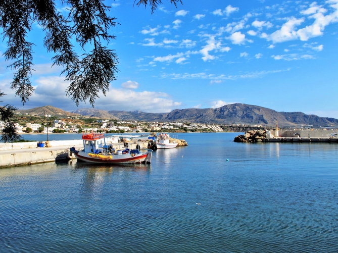 Taxi transfer from Heraklion airport / port to Makris Gialos,Makrys Gyalos