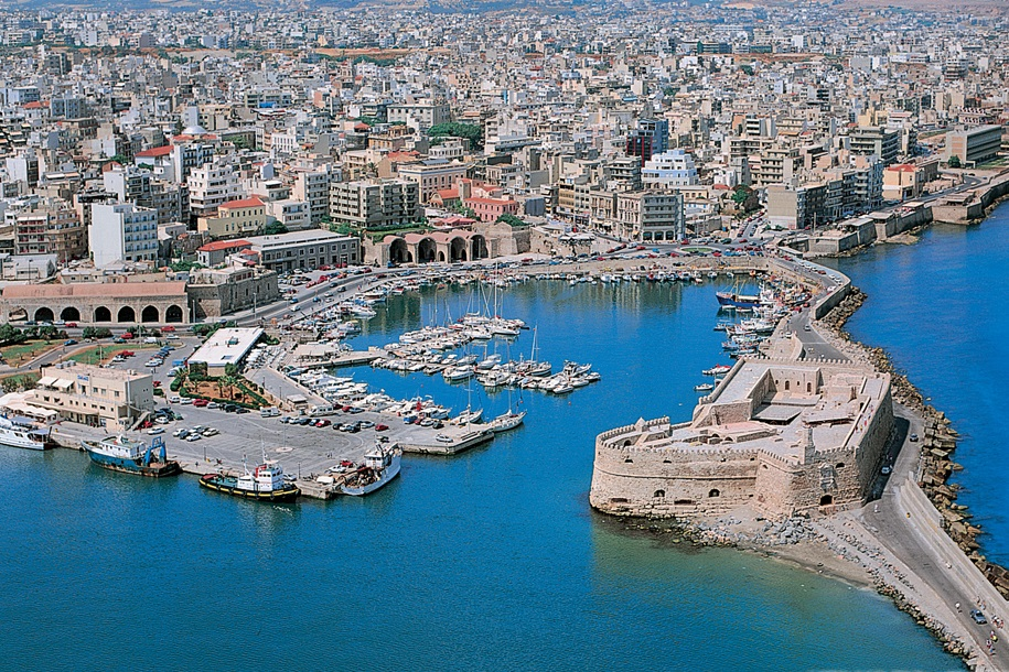 Taxi transfer from Chania airport / port to Heraklion City